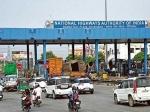 కన్ఫ్యూజన్: FASTag ఉంది కానీ.. టోల్ గేట్ల వద్ద బారులుతీరిన వాహనాలు
