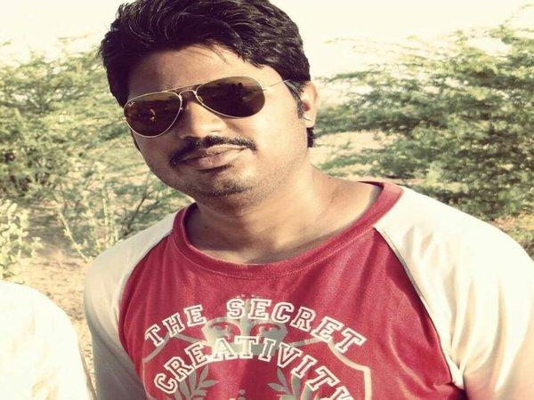 ప్రభుత్వ ఉద్యోగం మానేసి  కోట్లు సంపాదిస్తున్న నెంబర్ వన్ కుర్రాడు!