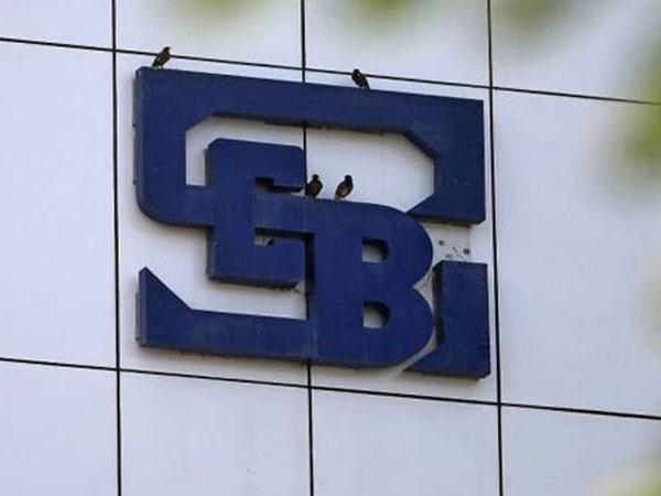 NDTV ప్రమోటర్లకు సెబి షాక్, ఇన్సైడర్ ట్రేడింగ్లో 2 ఏళ్ళ నిషేధం