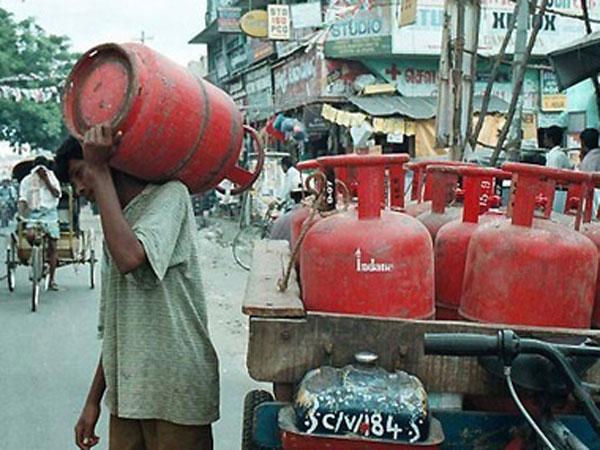 ఎల్లుండి నుండే... హైదరాబాద్వాసులకు ఇండేన్ గ్యాస్ గుడ్న్యూస్: కానీ వీరికే