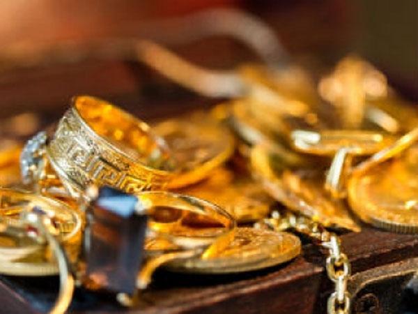 Gold prices today: ఆల్ టైమ్ గరిష్టంతో బంగారం రూ.9500 తక్కువ
