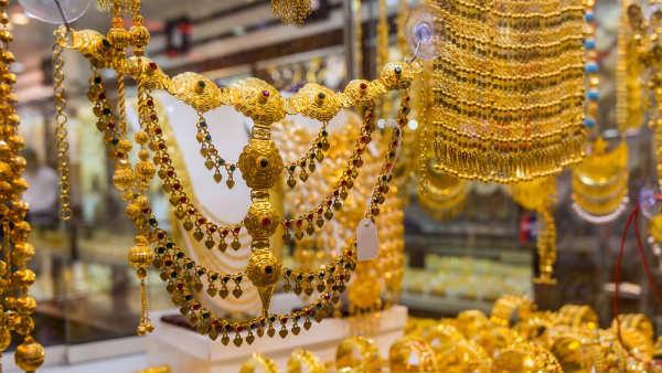 భారీగా షాకిచ్చిన బంగారం ధరలు, ఒక్కరోజే రూ.500 జంప్: రూ.46,000 క్రాస్