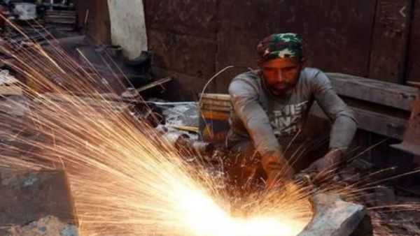 వరుసగా రెండో నెల: దారుణంగా పతనమైన పారిశ్రామికోత్పత్తి