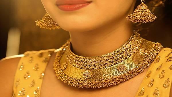 Gold prices today: భారీగా పెరిగి, స్వల్పంగా తగ్గిన పసిడి ధరలు