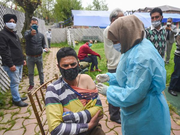 covid vaccine cost: భారతీయులకు వ్యాక్సినేషన్, ఖర్చు ఎంతంటే?