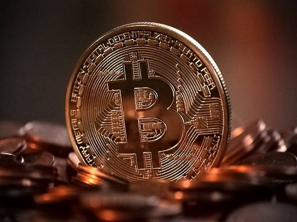 Crypto prices today: బిట్ కాయిన్ క్షీణించింది.. కానీ