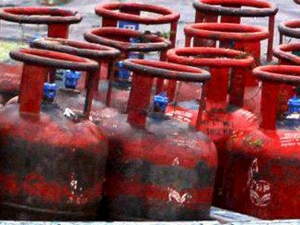 Price Non Subsidized Gas Cylinder Rate Hiked