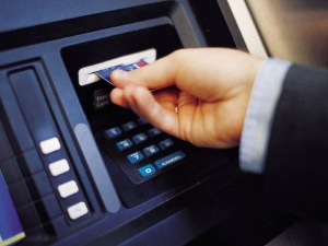 Delhi High Court Questions Rbi On Cap On Withdrawals Through Atm