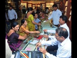 Gold Sales Increase In City By 20 30 Per Cent On Akshaya Tritiya