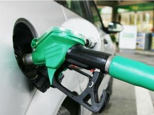 Today Petrol Diesel Prices Hyderabad Amaravati Today