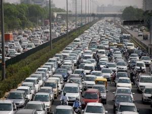 Budget 2018 Automakers Seeks 2 Gst Rates Passenger Vehicles