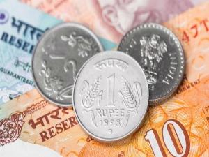 Rupee Depreciates 26 Paise Against Us Dollar Early Trade