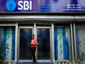 Cheers Customers Sbi Hikes Interest Rates On Fixed Deposits