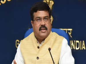 Oil Minister Pradhan Petrol Diesel Will Not Be Allowed Go