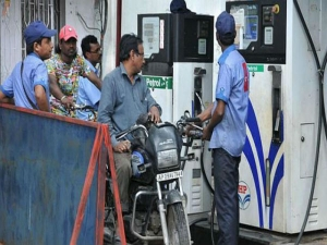 Fuel Rates Cut 14th Straight Day Check Rates Delhi Mumbai