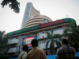 Sensex Nifty At Another Record Reliance Icici Bank Rally