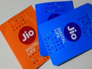 Reliance Jio Now Offers 5 Prepaid Recharge Packs Jiophone Us