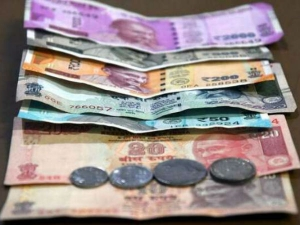 The Rupee Slipped Over 33 Paise 71 31 Against The Us Dollar