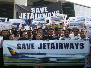 Jet Pilots Appeal To Sbi To Release Rs 1500 Cr Ask Pm To Save 20000 Jobs