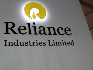 Reliance Retail Tops Rs 1 Lakh Crore Revenue 5 Mind Boggling Numbers From Ambani Ril Results