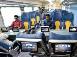 Booking Indian Railways Ticket At Irctc Now Get Insurance Up To Rs 10 Lakh For Just 49 Paise