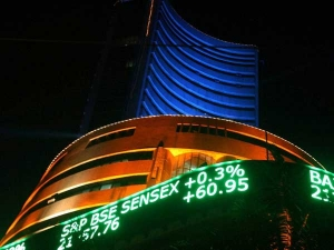 Sell Off Continues Sensex Tumbles 306 Pts As Financials Drag