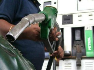 Hpcl Bpcl Ioc Fall 5 6 After Govt Proposes Additional Excise Duty On Petrol Diesel