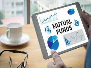 Mutual Fund Assets Dwindle As Debt Investors Cash Out