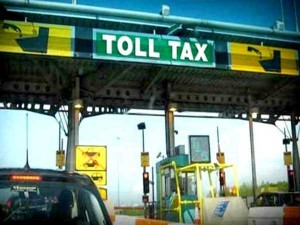 If You Want Good Service You Pay Nitin Gadkari On Toll Collection