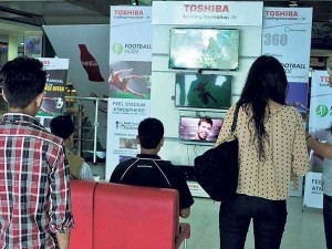 Television Sales Decline 10 To 20 Despite Discounts