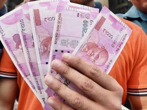 Demonetise Rs 2 000 Notes Says Ex Economic Affairs Secretar