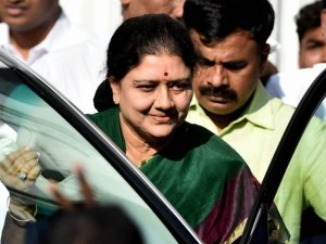 Income Tax Dept Attaches Alleged Properties Of Sasikala Worth Rs 1500 Crore