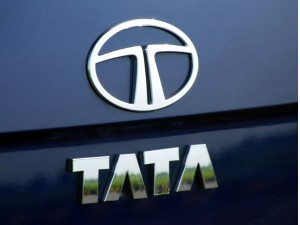 Tata Motors Plans To Offer Vrs To 1 600 Employees Amid Slowdown In Auto Industry