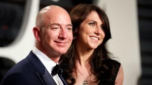 Lauren Sanchez Revealed Jeff Bezos Secrets To Her Brother