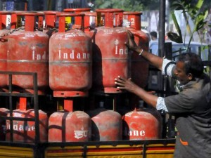 Non Subsidised Lpg Becomes More Expensive From Today
