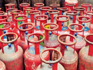 Oil Cos Say No Lpg Shortage At All Delivering 25 Percent More Lpg Cylinders
