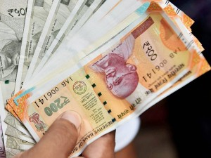 One In Three Indian Professionals Now Have Decreased Income