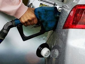 Indian Oil Reports First Quarterly Loss In 4 Years