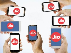 Saudi S Pif In Talks With Reliance To Pour 1 Billion Into Jio Fibre Assets