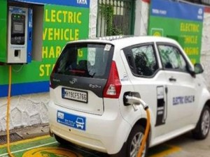 Government Mulls Installing Electric Vehicle Charging Kiosks At 69 000 Petrol Pumps