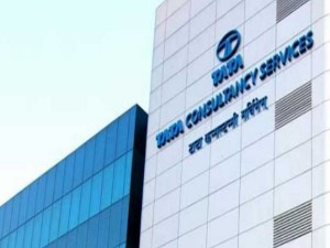 Tcs Market Value Tops Rs 10 Lakh Crore Analysts See More Gains Ahead